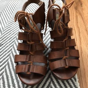 Steve Madden Lace Up Cognac Wedges